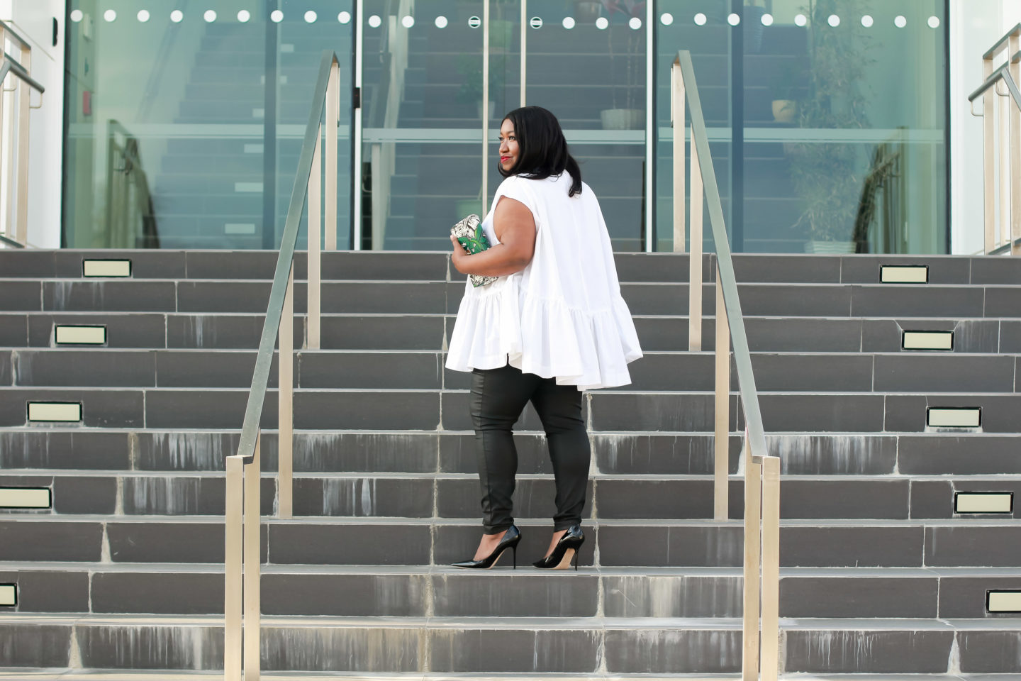 White & Black Outfit Idea from Plus Size Fashion Blogger