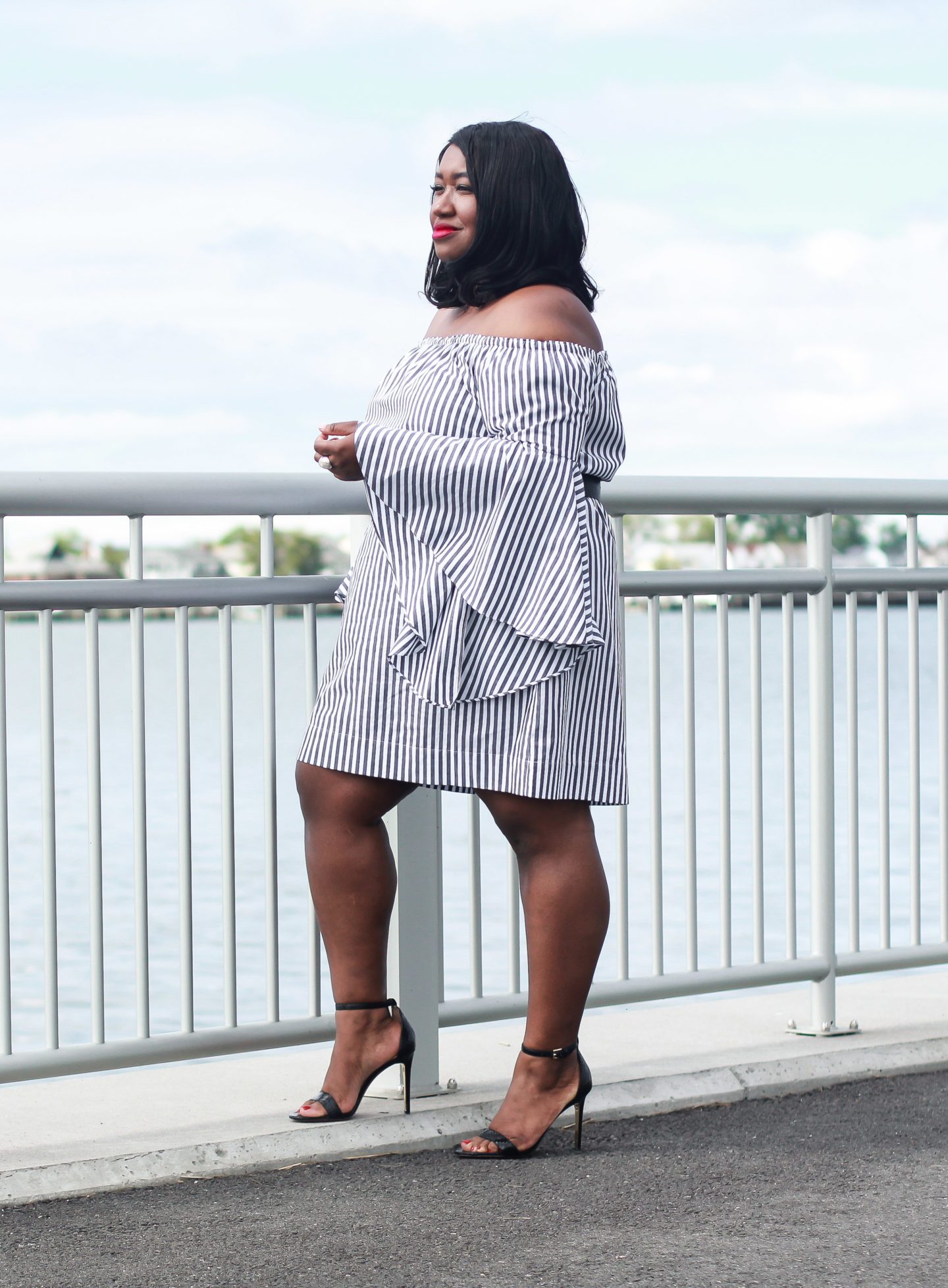 bell sleeve dress plus size fashion blogger
