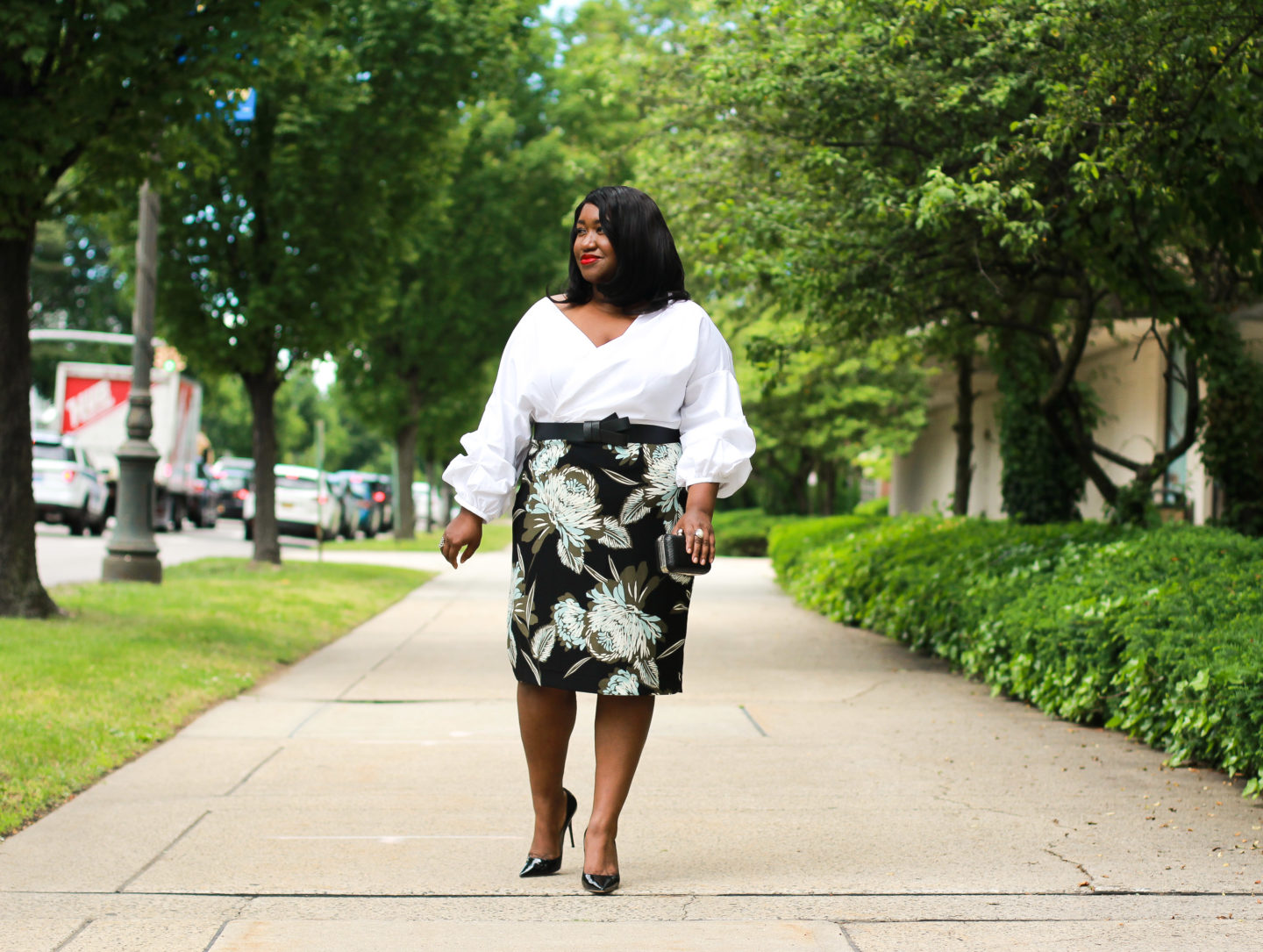 plus size pencil skirt outfit idea for spring